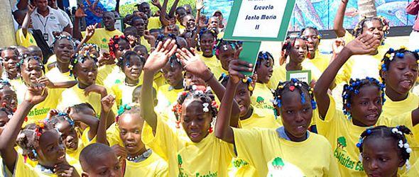 Medio Ambiente recibe estudiantes de Haití en el programa Ecovisitas Escolares
