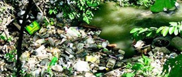 Arroyos que alimentan y contaminan el yaque