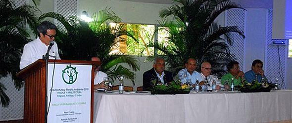 Celebran seminario sobre arquitectura y medio ambiente