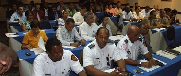 Imparten taller sobre manejo de desastres meteorológicos y sismológicos
