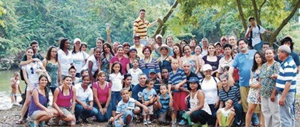 Un día de  campo  con la familia por el medio ambiente