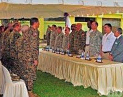Ejército recibe paneles y turbinas donados por la Universidad de Florida