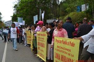 Protesta no a la explotacion de la loma Miranda en la Vega