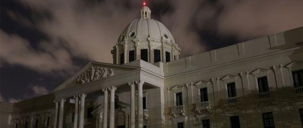 """Palacio Nacional estuvo a oscuras durante """"La Hora del Planeta"""