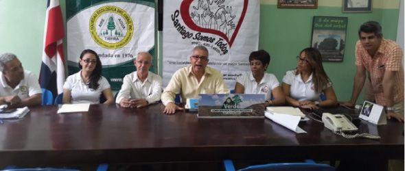 Santiago Somos Todos Inc. y Sociedad Ecológica del Cibao anuncian sometimiento a la acción de la Justicia al Alcalde Gilberto Serulle en relación a tala de árboles en el Parque Duarte.