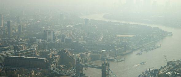 Reino Unido también comienza a sufrir la contaminación