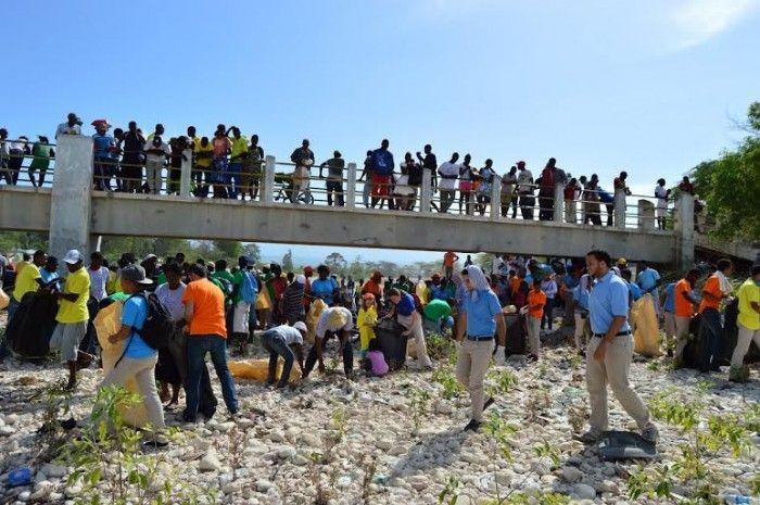 Limpian río Pedernales en campaña binacional de Solidaridad Fronteriza