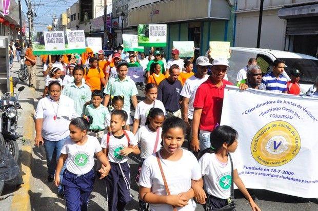 Marchan contra delitos ambientales