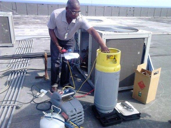 Medio Ambiente pone en marcha novedoso plan piloto de ahorro energía que protege la Capa de Ozono