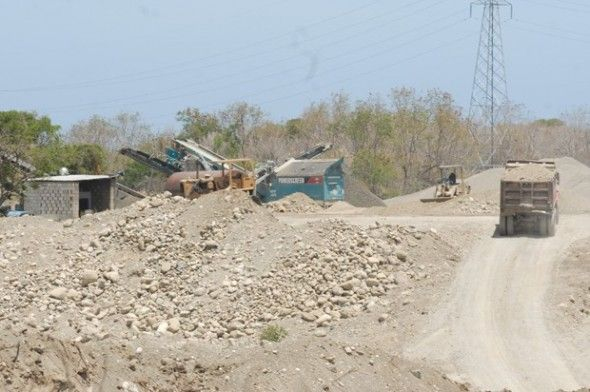 Areneras continúan explotando terrenos en San Cristóbal y Baní - See more at: http://www.elcaribe.com.do/2015/07/03/areneras-continuan-explotando-terrenos-san-cristobal-bani#sthash.c9qq3ggS.dpuf