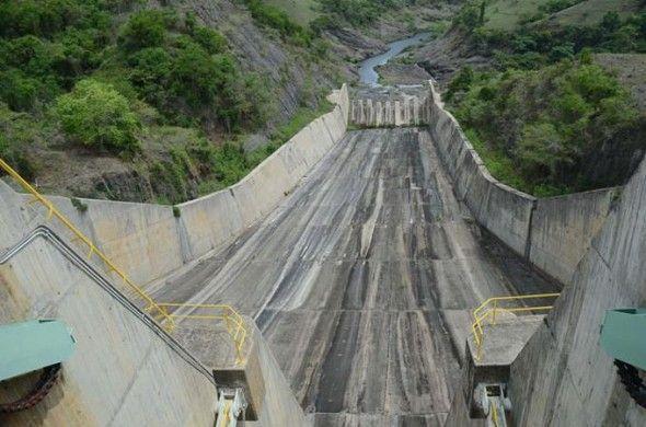 La capital y Santiago tienen días contados con el agua