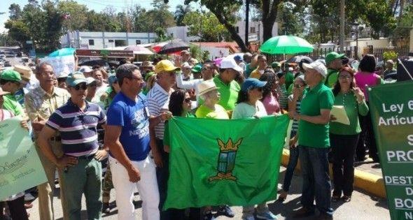 Cientos marchan en Jarabacoa contra la deforestación