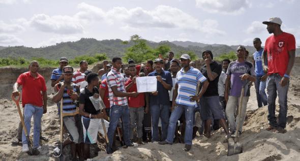 Solicitan continuar extracción de sedimentos de la presa de Valdesia