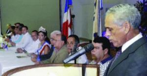 Marcelino Vargas habla en una actividad del Patronato de Ganaderos.