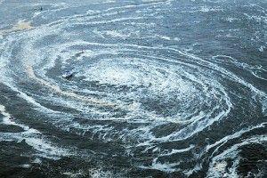 Terremoto de 8,9 Richter causa tsunami en Japón Un fuerte terremoto, de magnitud 8,9 en la escala de Richter, según el Servicio Geológico de Estados Unidos, sacudió hoy el noreste de Japón y generó un tsunami, con olas de hasta diez metros de altura, que golpeó la ciudad portuaria de Sendai, informó la agencia de noticias Kyodo.     Foto: Reuters