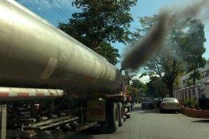 Camion de transporte de combustibles. Lugar:Santo Domingo, RD Fecha: