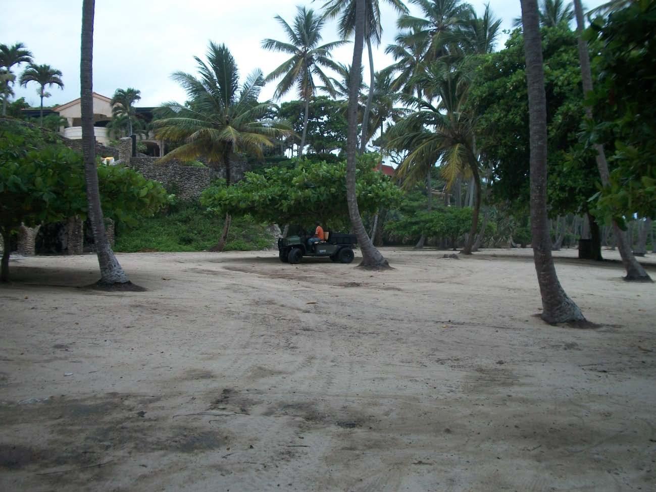 La playa Caletón Grande, ahora Orchid Bay. Ayer de todos, hoy de la Sra. McDonald.
